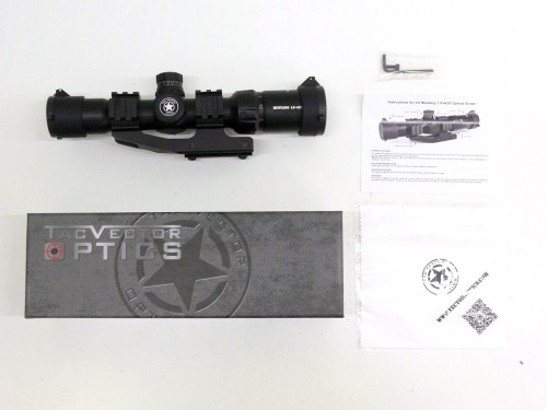 [VECTOR OPTICS] Mustang 1.5-4x30 Chevron Reticle ライフルスコープ SCOC-02 実銃用 (新品)
